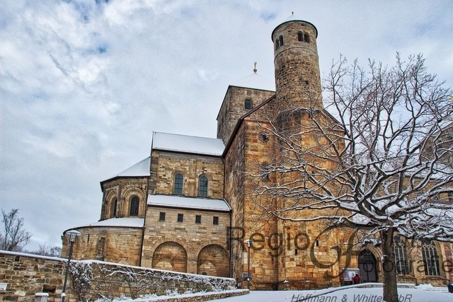 St Michaelis  | Michaeliskirche Hildesheim im Schnee