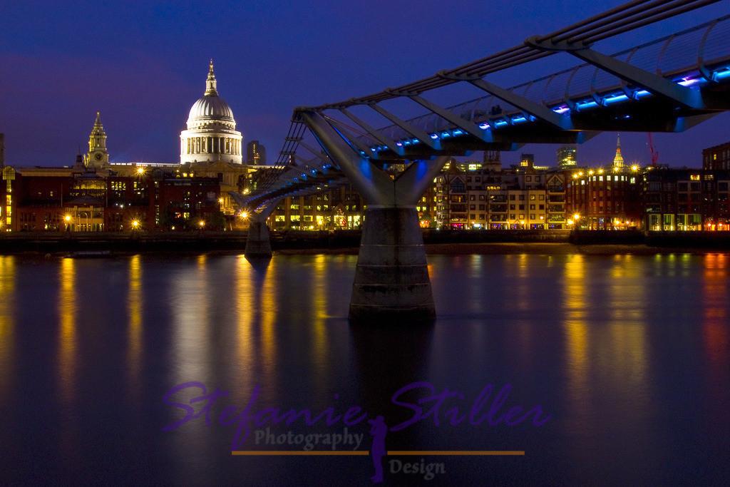 St. Pauls at night | St. Pauls vom gegenüberliegenden Ufer