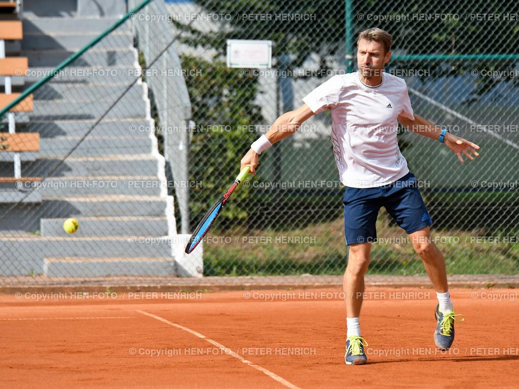 Tennis H40 Hessenliga TEC Darmstadt - Hochheim copyright by HEN-FOTO | Tennis Herren H40 Hessenliga TEC Darmstadt - Hochheim 1 Rolf Melzer (TEC) copyright by HEN-FOTO / Foto: Peter Henrich