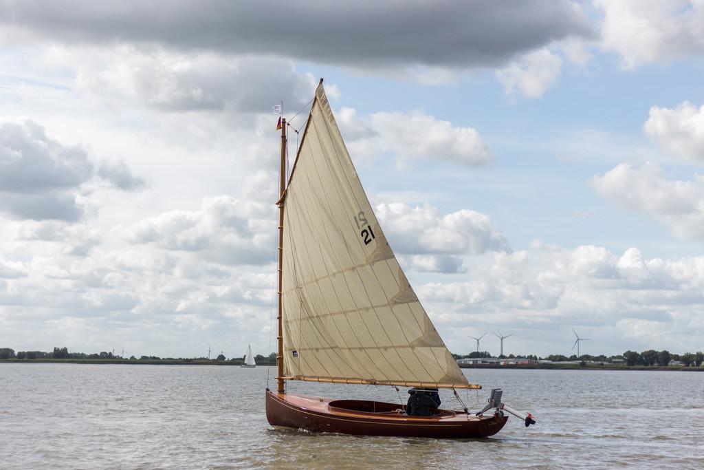 Catboat (163)