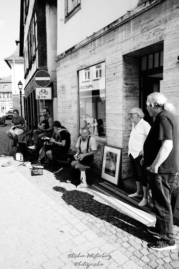 DSC07008   Roland&Friends - Roland Keye Strassenmusik zur Art-Galerie-Ausstellung von Mik Amos am 25.08.2019 in Rockenhausen