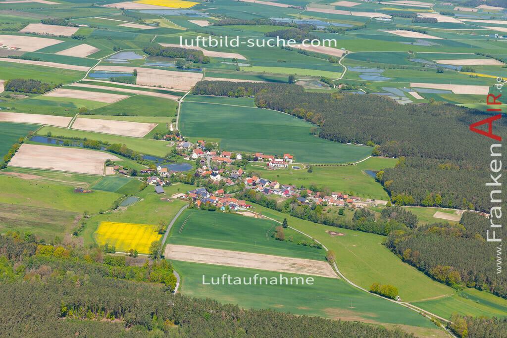 linden-19-294   aktuelles Luftbild von Linden  - Luftaufnahme wurde 2019 von https://frankenair.de mittels Flugzeug (keine Drohne) erstellt.