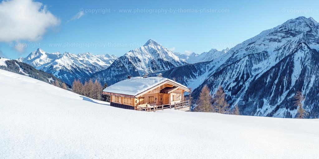 Schrofenalm im Winter Blick talauswärts