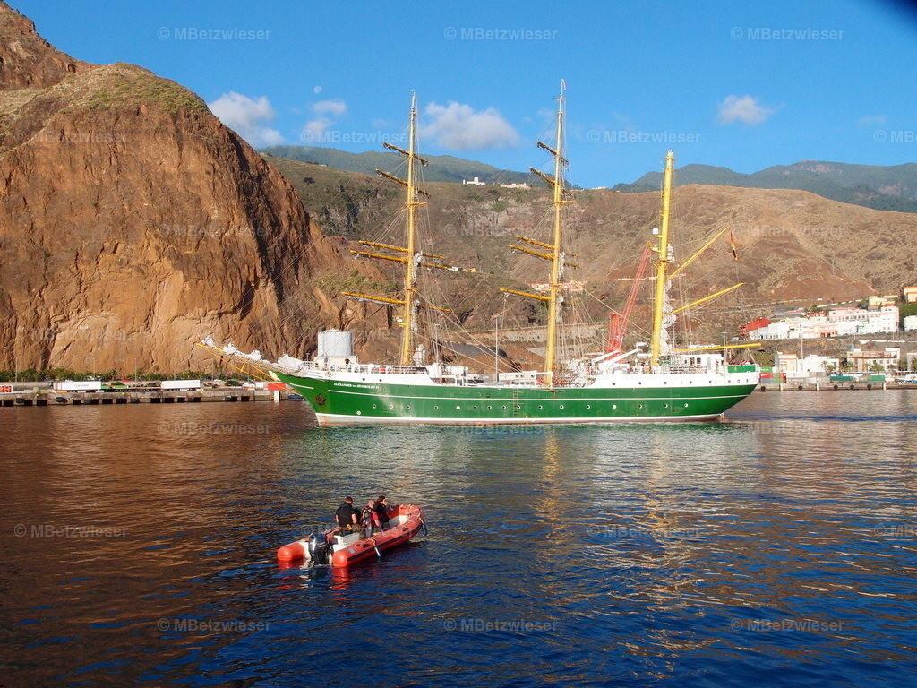 PB212400 | Die Alexander von Humboldt im Hafen von La Palma