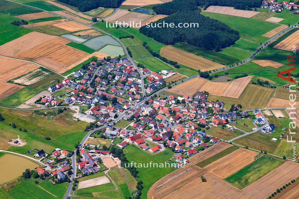 niederlindach-hessdorf-17-4873 | Luftbild von Niederlindach Hessdorf - Luftaufnahme wurde 2017 von https://frankenair.de mittels Flugzeug (keine Drohne) erstellt - die Geschenkidee