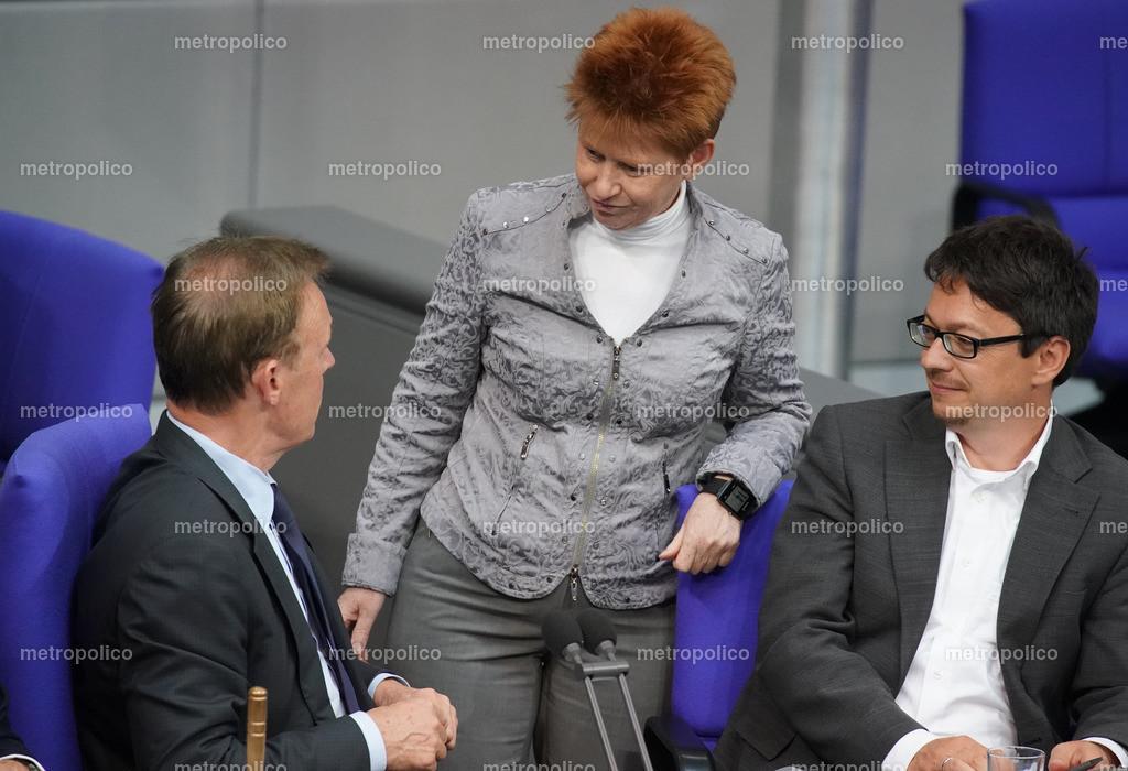 Petra Pau löst Thomas Oppermann ab Präsidium des Bundestages