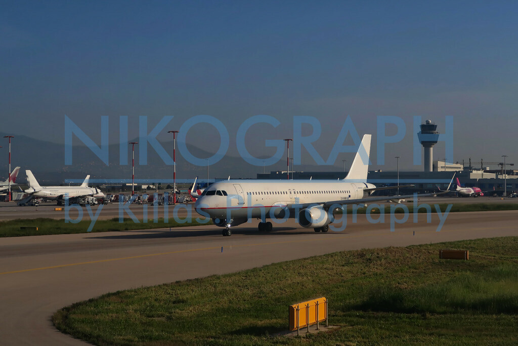 Flugzeuge am Flughafen von Athen | Flugzeuge am Vorfeld des Flughafen Eleftherios Venizelos der griechischen Hauptstadt Athen.