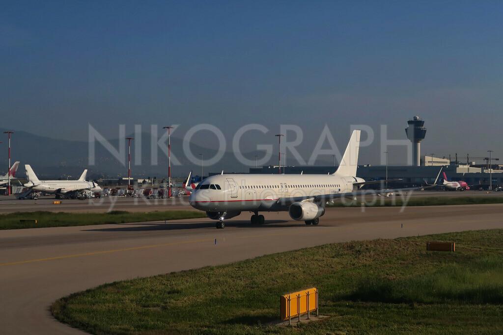 Flugzeuge am Flughafen von Athen   Flugzeuge am Vorfeld des Flughafen Eleftherios Venizelos der griechischen Hauptstadt Athen.