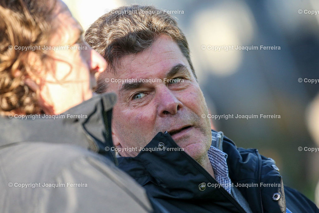 191221svdvshsv_0211 | 21.12.2019 Fussball 2.Bundesliga, SV Darmstadt 98-Hamburger SV emspor, despor  v.l.,  head coach,  Trainer Dieter Hecking (Hamburger SV)    (DFL/DFB REGULATIONS PROHIBIT ANY USE OF PHOTOGRAPHS as IMAGE SEQUENCES and/or QUASI-VIDEO)