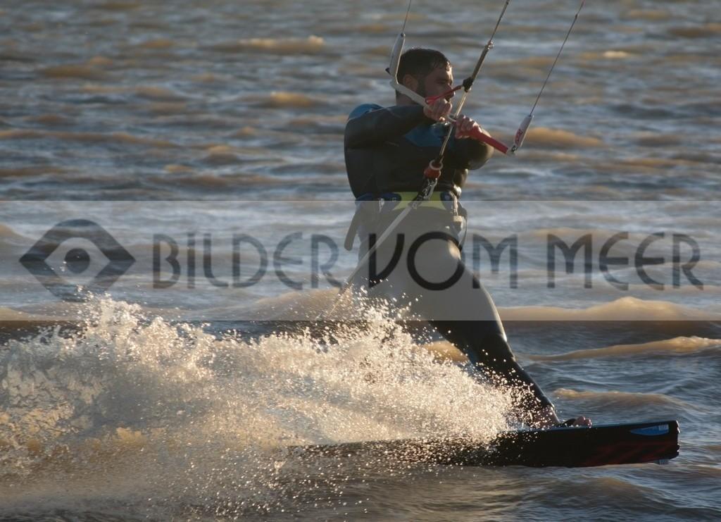 Bilder vom Meer Kitesurfen | Kite Surfer in Spanien