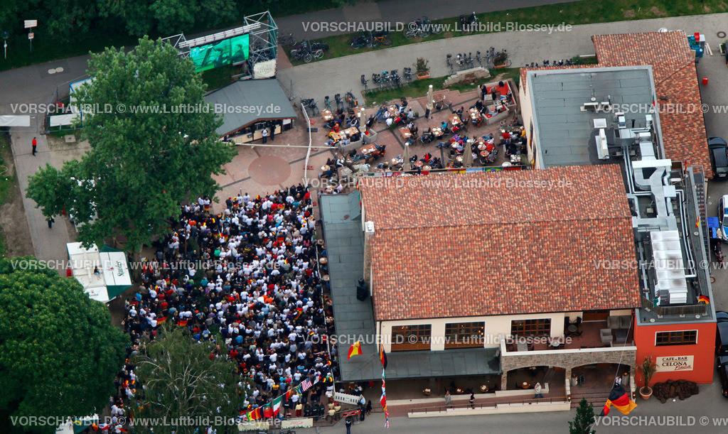 ES100612050074_PV | Public Viewing Auftackspiel Deutschland - Australien 4:0 WM 2010,  Essen, Ruhrgebiet, Nordrhein-Westfalen, Germany, Europa, Foto: hans@blossey.eu, 13.06.2010