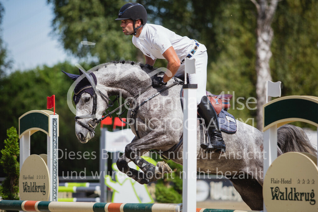 200819_Delbrück_Sprpf-A_1_2-059 | Delbrück Masters 2020 Springpferdeprüfung Kl. A* 4jährige Pferde