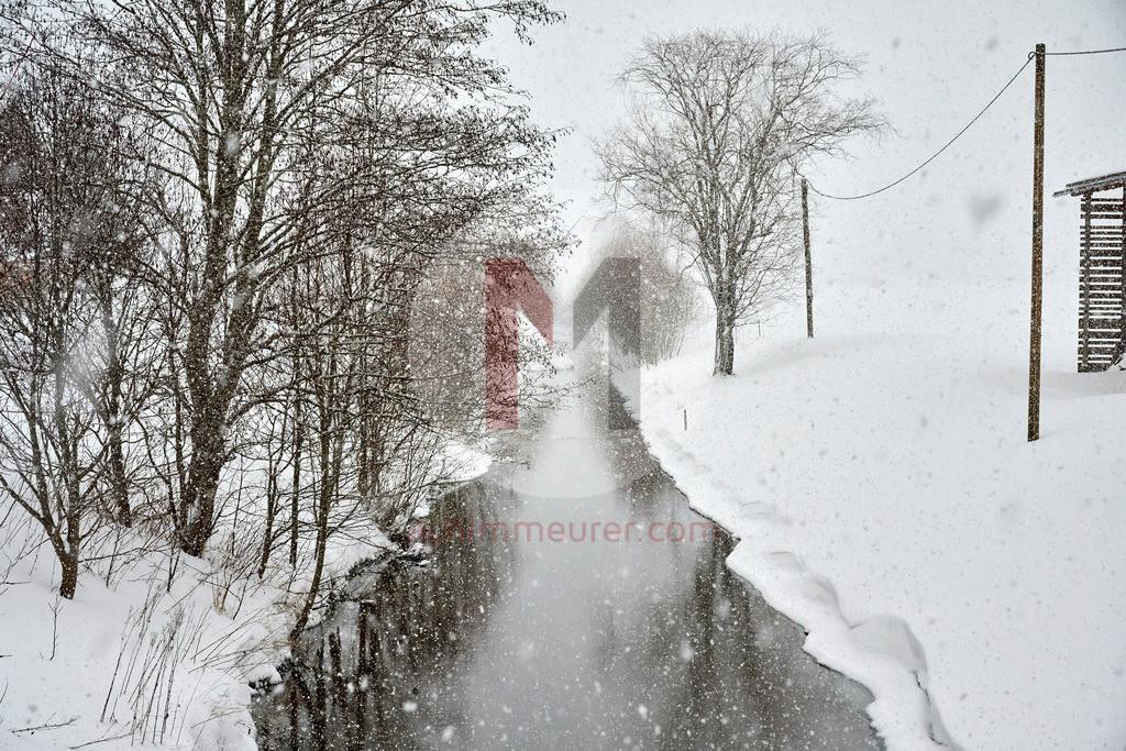 Es schneit im Tannheimer Tal, Tirol, Österreich