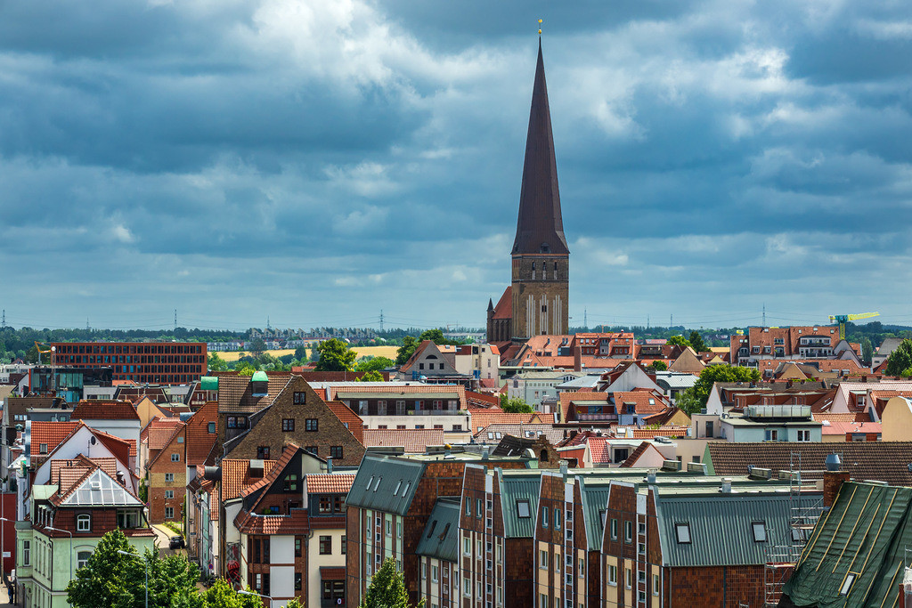 rk_05548 | Blick auf die Hansestadt Rostock.