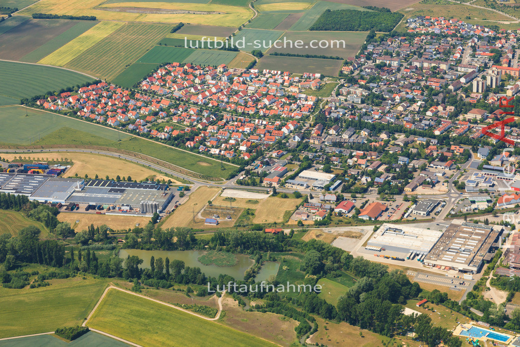 aisch-bad-windsheim-2015-1401   Luftbild von Aisch Bad-windsheim - Luftaufnahme wurde 2015 von https://frankenair.de mittels Flugzeug (keine Drohne) erstellt - die Geschenkidee