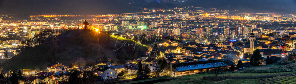 Arzl | Blick auf Arzl mit dem Kalvarienberg