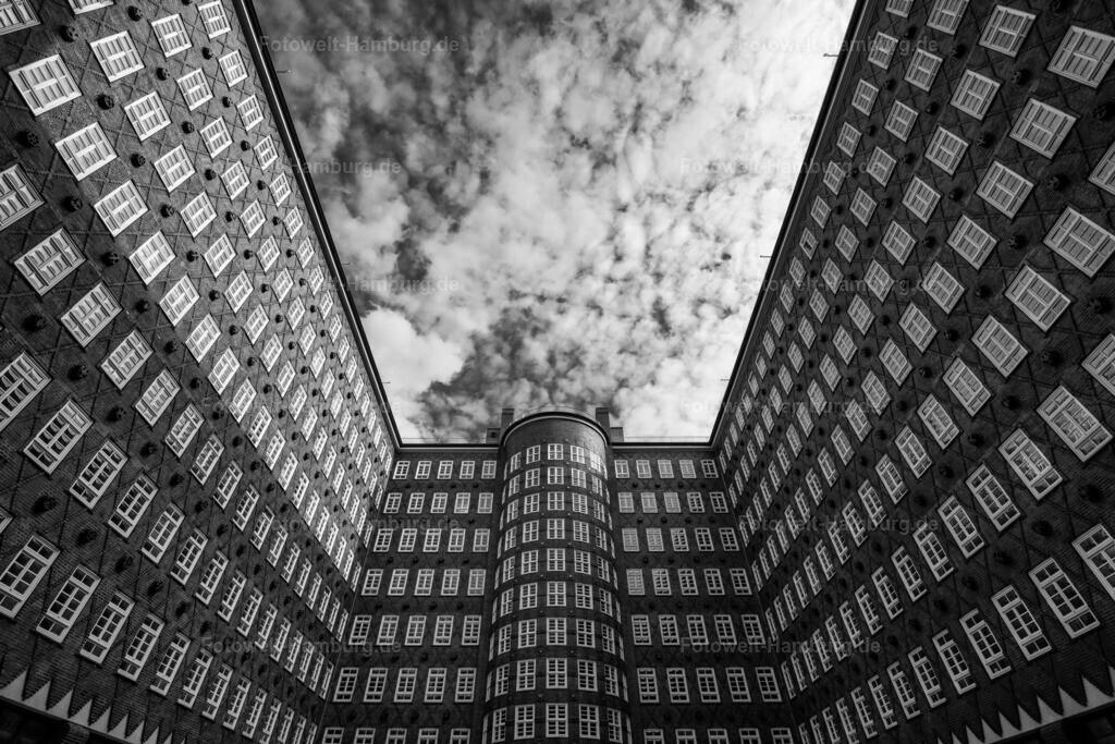 10200519 - Sprinkenhof | Eindrucksvolle Aufnahme des bekannten Hamburger Kontorhauses.