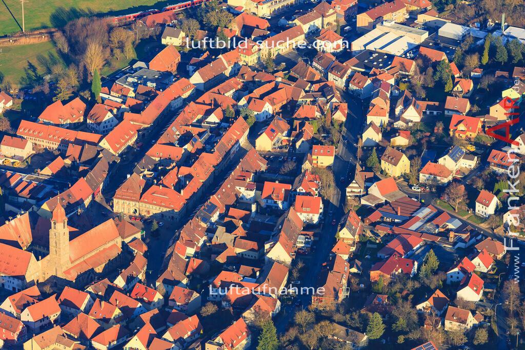 burggrafenhof-langenzenn-2015-1885   Luftbild von  Langenzenn - Luftaufnahme wurde 2015 von https://frankenair.de mittels Flugzeug (keine Drohne) erstellt - die Geschenkidee