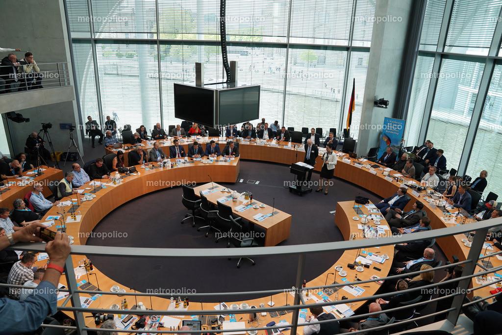 Medienkonferenz Bundestag Plenum Saal freie alternative Medien bei der AfD Fraktion am 10. Mai 2019 im Bundestag