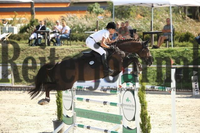 Durmersheim_2020_Amazonen-Springprfg_Kl.S_Barbara Steurer-Collee_Salt_N Pepper (18)
