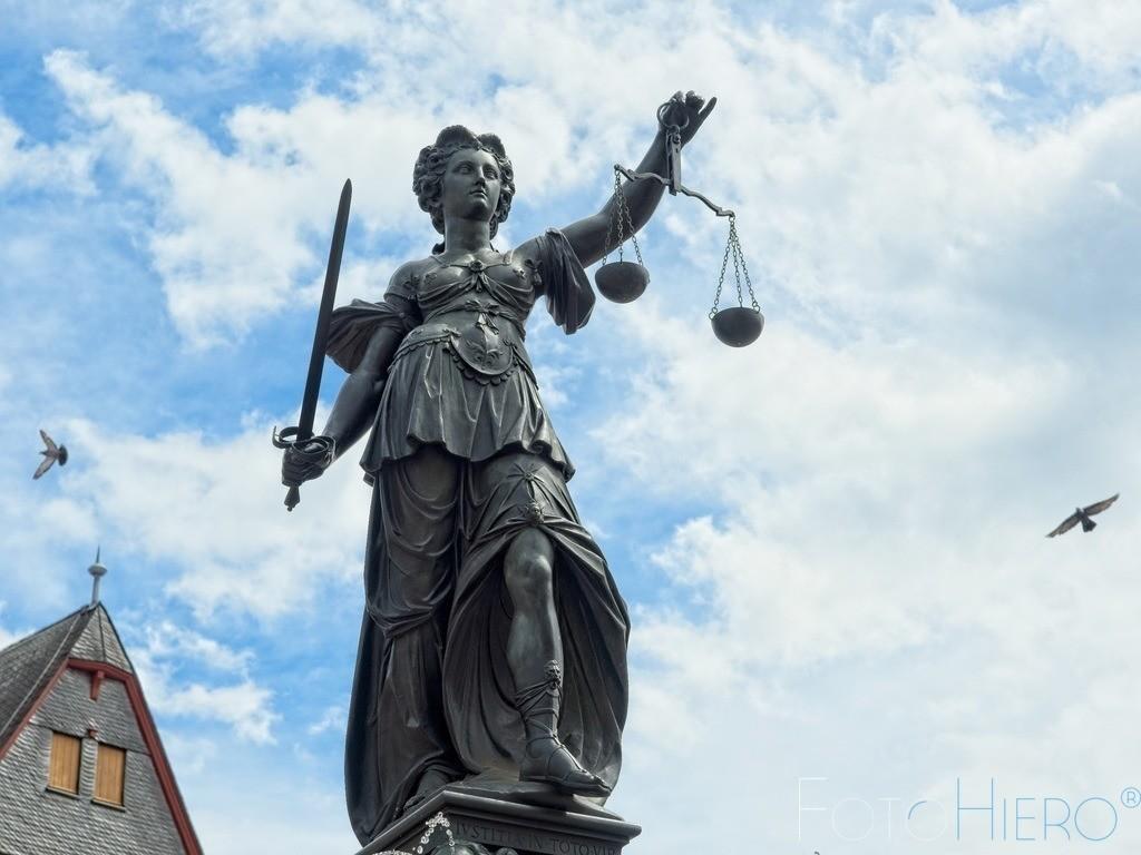 Gerechtigkeitsbrunnen | Justitia auf dem Rönmerberg, Frankfurt am Main