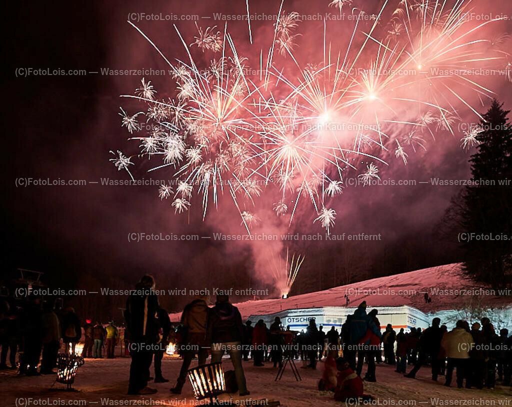 267_FIRE-ICE_Lackenhof   (C) FotoLois.com, Alois Spandl, FIRE & ICE in Lackenhof bei der Schirmbar im Weitental mit der Liveband àlaSKA, Feuershow von FEUERMATRIX, feurige Kulinarik, Pistenraupentaxi und dem großen Abschlussfeuerwerk zum Beginn der Semesterferien, Sa 2. Februar 2019.