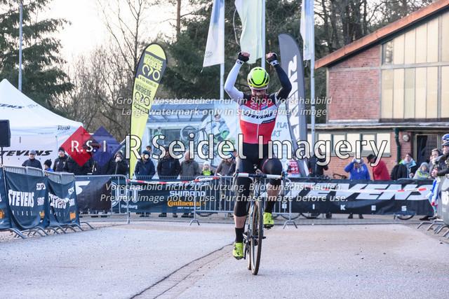 Radsport, Stevens Cyclocross Cup 2019, 10. Lauf (RSG Nordheide), Rennen 9 (Elite Herren + U23, Masters 2 / Elite Ü40 und Junioren U19), Buchholz i.d.N., 19.01.2020 | Yannick Gruner (Harvestehuder RV 1909 e.V., #38, Elite)