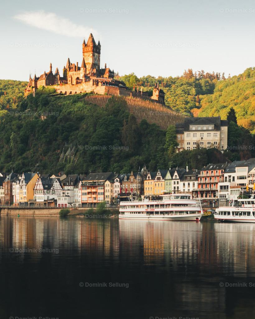 Chaludus II | Blick auf die Reichsburg in der Abendsonne