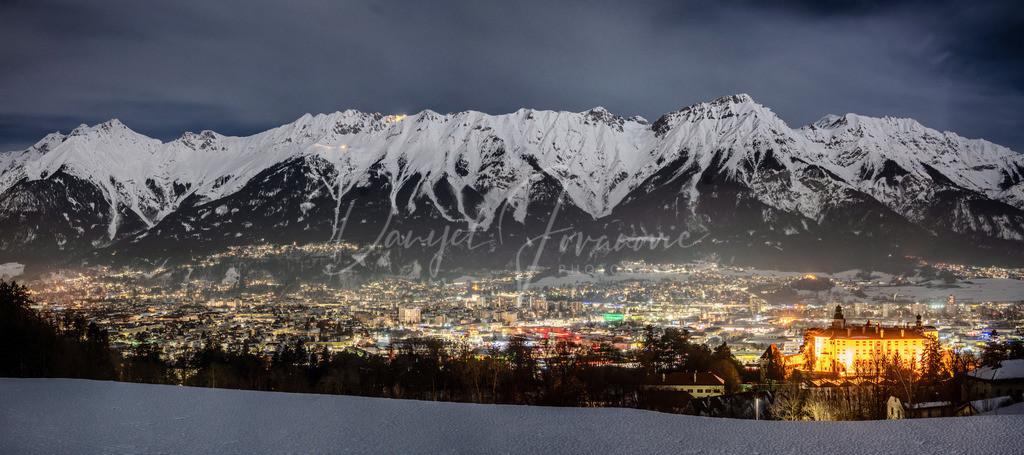 Innsbruck Panorama | Das Innsbrucker Panorama mit der Nordkette und Schloss Ambras