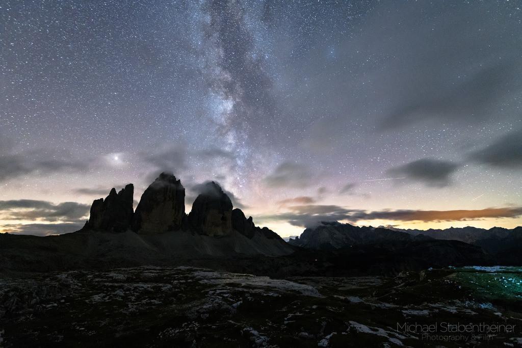 Nachts bei den Drei Zinnen | Milchstraße aufgenommen bei den Drei Zinnen in Südtirol, Dolomiten