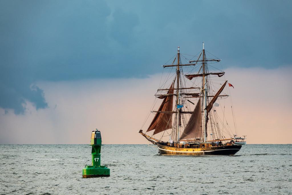 Segelschiff auf der Hanse Sail in Rostock   Segelschiff auf der Hanse Sail in Rostock.