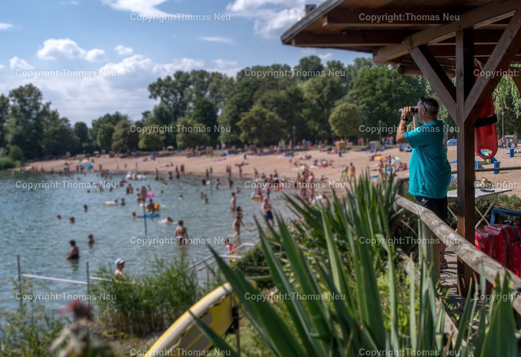 DSC_7873   Bensheim, Badesee, für Reportage, den Strand und die Sicherheit der Badegäste im Blick hat hier der Mitarbeiter des Bades Richard Maletz, ,, Bild: Thomas Neu