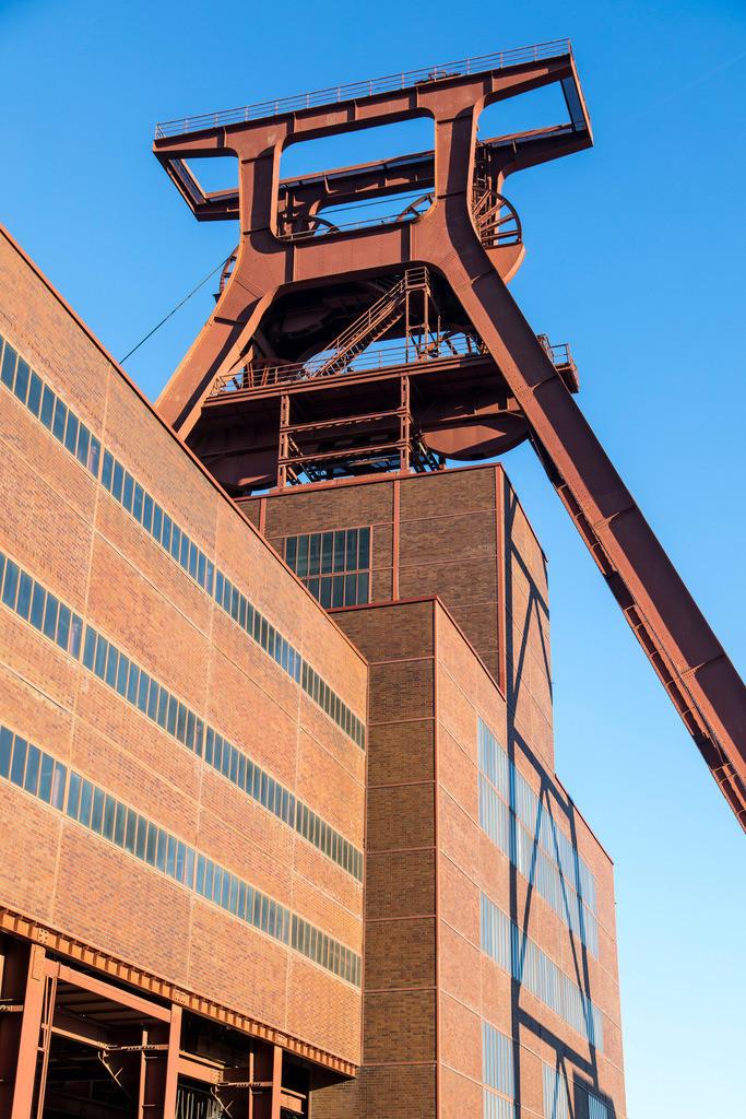 JT-170109-594 | Zeche Zollverein in Essen, UNESCO Welterbe, Doppelbock von Schacht XII,