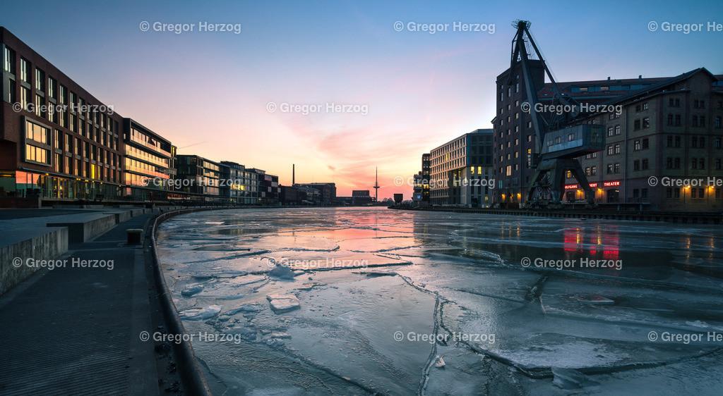 Eisiger Hafen   Januar 2018 Stadthafen Münster