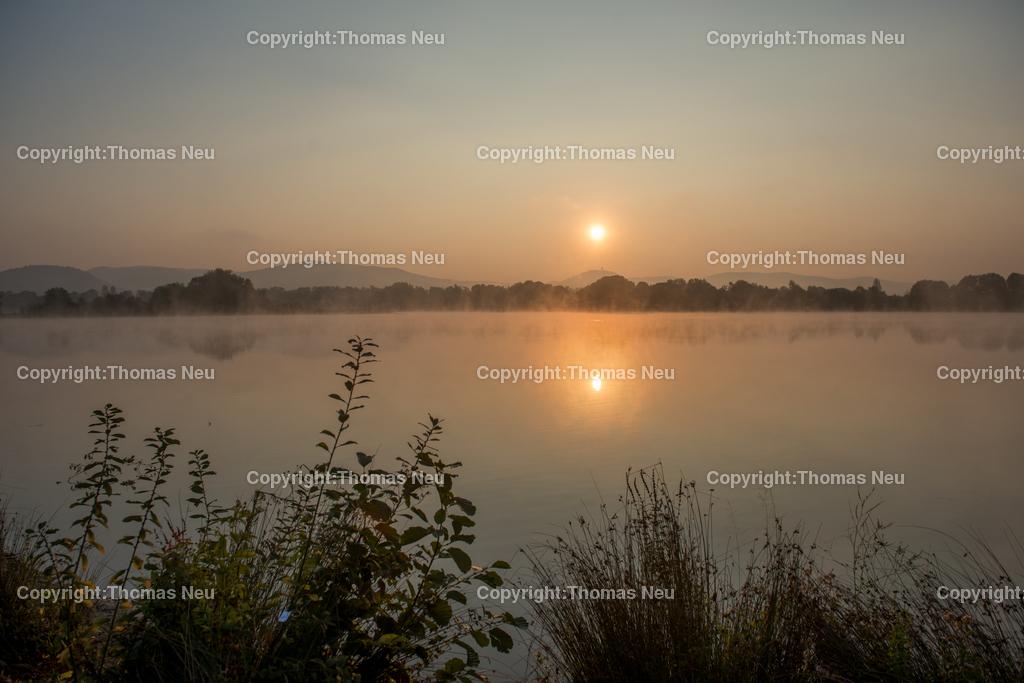 Sonnenaufgang-4   Bensheim,Fruiehaufsteher werden belohnt...hier der Sonnenaufgang uerber der Bergstrasse von den Ufern der Erlache am Naturschutzzentrum fotografiert. ,, Bild: Thomas Neu
