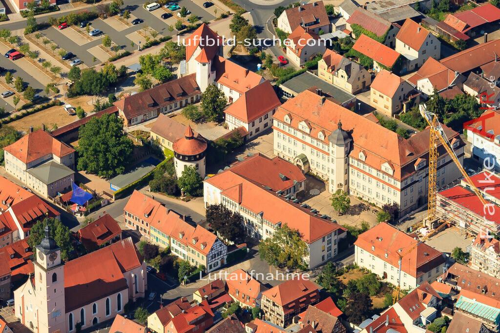 neues-und-altes-schloss-neustadt-an-der-aisch-2015-5016 | Luftbild von Neues-und-altes-schloss Neustadt-an-der-aisch - Luftaufnahme wurde 2015 von https://frankenair.de mittels Flugzeug (keine Drohne) erstellt - die Geschenkidee