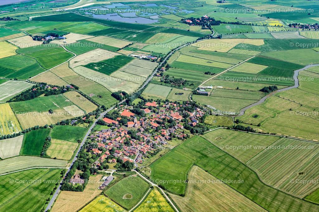 Pilsum_ELS_0819280618 | Pilsum - Aufnahmedatum: 28.06.2018, Aufnahmehöhe: 620 m, Koordinaten: N53°28.264' - E7°03.919', Bildgröße: 7929 x  5286 Pixel - Copyright 2018 by Martin Elsen, Kontakt: Tel.: +49 157 74581206, E-Mail: info@schoenes-foto.de  Schlagwörter:Niedersachsen,Leuchtturm,Luftbild, Luftbilder, Deutschland