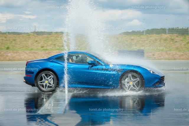 Ferrari_Ladys_Day_20150426_Nbay-0412