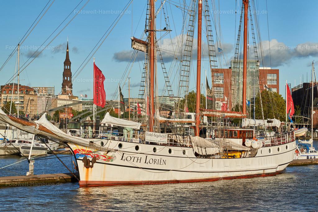 hamburg segelschiff loth lorien im niederhafen bild auf leinwand