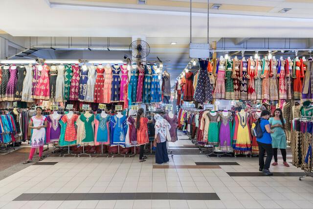 Singapur Little India Kleidermarkt  | SGP, Singapur, Singapur, 22.02.2017, Singapur Little India Kleidermarkt  © 2017 Christoph Hermann, Bild-Kunst Urheber 707707, Gartenstraße 25, 70794 Filderstadt, 0711/6365685;   www.hermann-foto-design.de ; Contact: E-Mail ch@hermann-foto-design.de, fon: +49 711 636 56 85