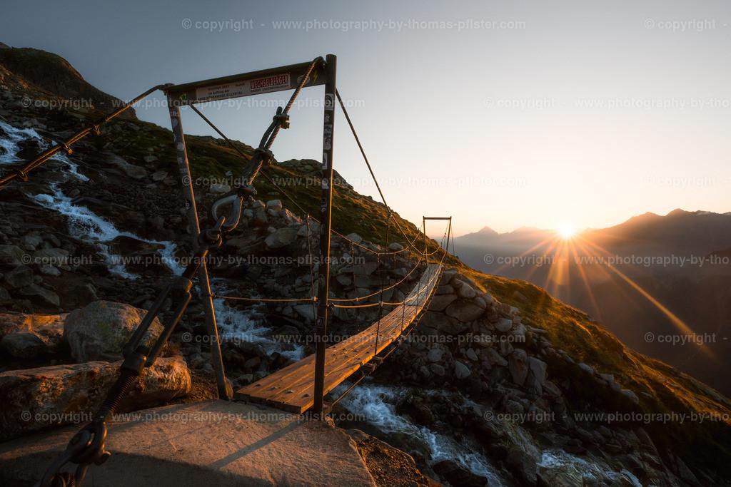 Brücke bei Olpererhütte Sonnenaufgang