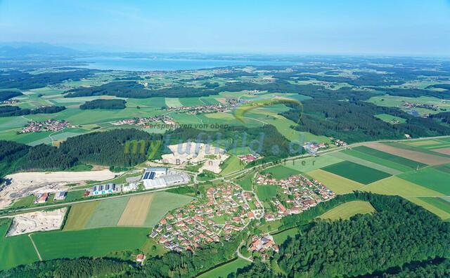 luftbild-aiging-nussdorf-chiemgau-bruno-kapeller-05 | Luftaufnahme von Aiging bei Nußdorf im Chiemgau, Sommer 2018. Das Dorf befindet sich ca.5 km vom Chiemsee entfernt, Landkreis Traunstein.