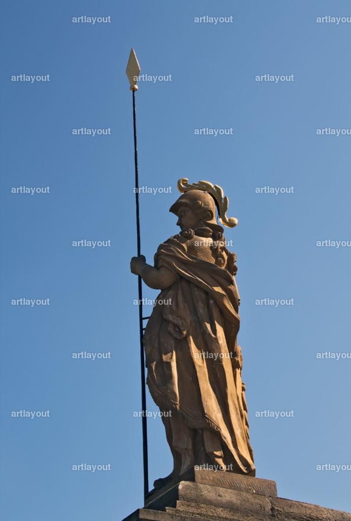 Erfurt | Minerva-Statue auf dem Erfurter Domplatz