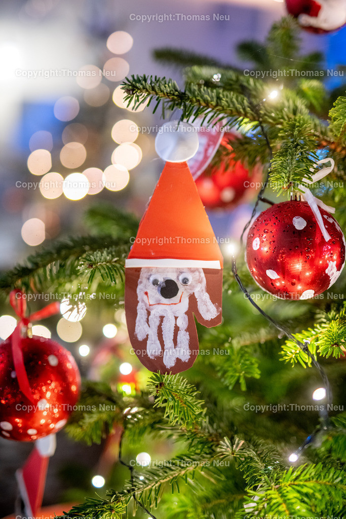 DSC_3932   ble,Lorsch, blaues Weihnachtswunder, Innenstadt, ,, Bild: Thomas Neu
