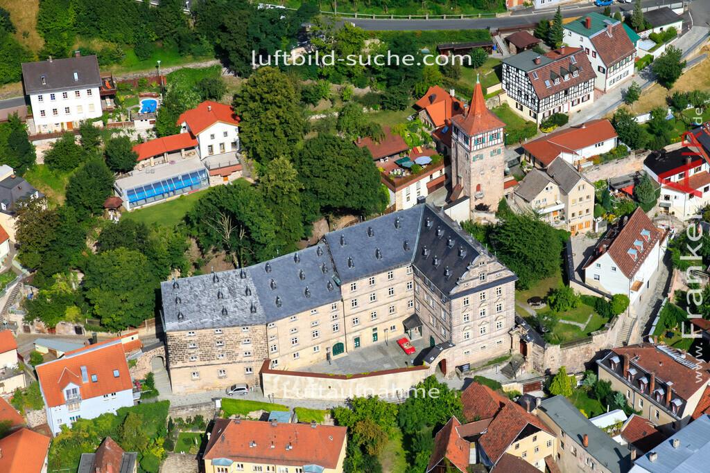 luftaufnahme-kulmbach-2009-1464   Luftbild von  Kulmbach - Luftaufnahme wurde 2009 von https://frankenair.de mittels Flugzeug (keine Drohne) erstellt - die Geschenkidee