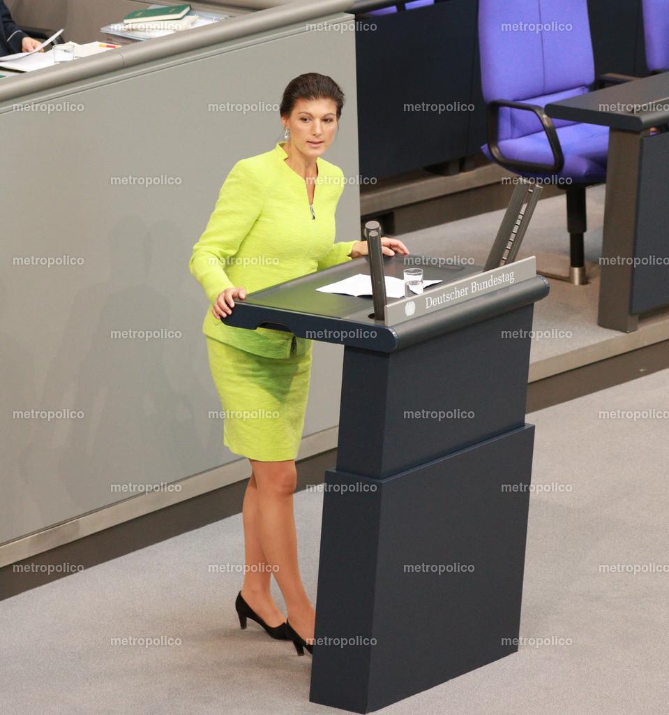 Sahra Wagenknecht hält Rede im Bundestag (2)