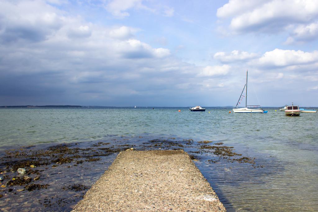 Strand in Habernis | Boote vor Habernis