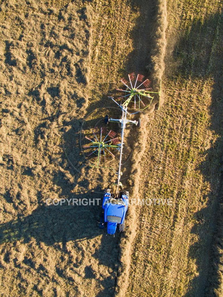 20151001-DJI_0436 | Kreiselheuer beim schwaden aus der Vogelperspektive
