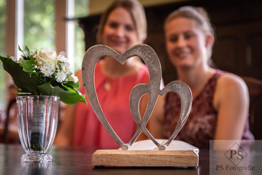 Hochzeit Geseke Brautpaar Herzen