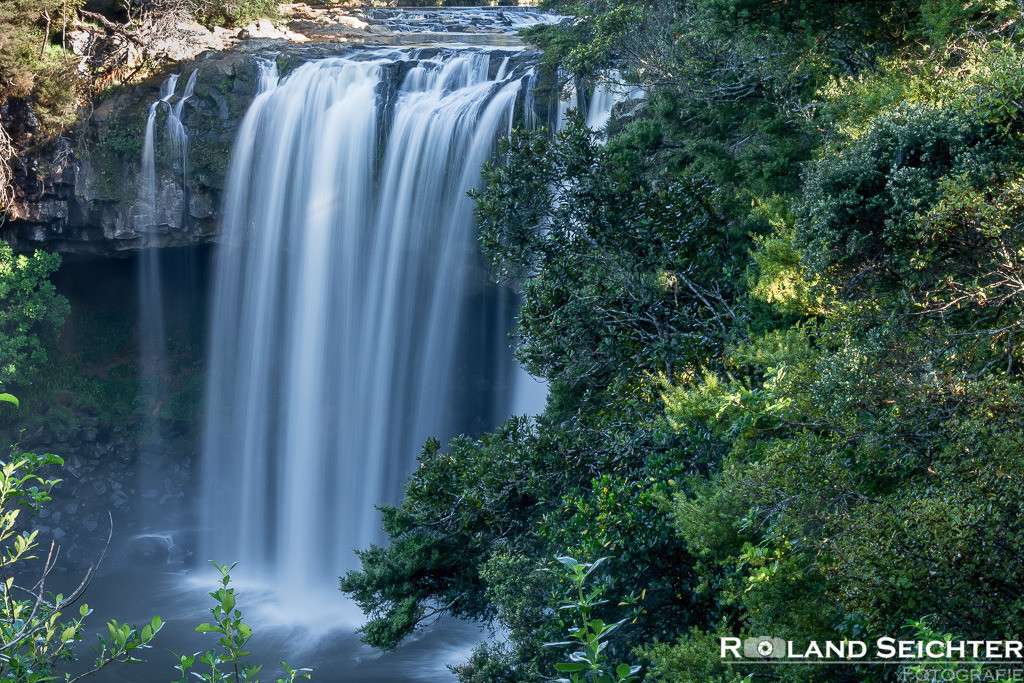 Rainbow Falls - Waianiwaniwa